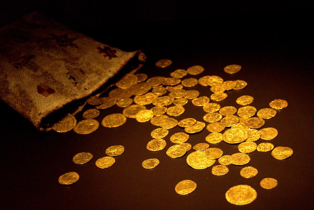 la casa encantada y las monedas de oro