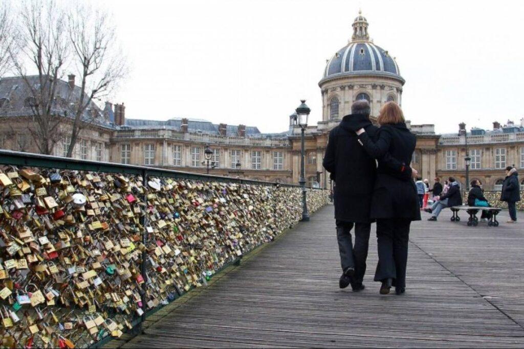 leyendas candados en paris