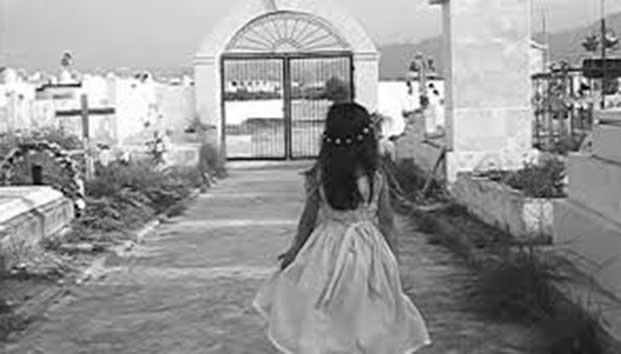 leyenda de la niña en el panteon
